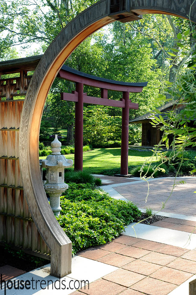 Garden design embraces tradition