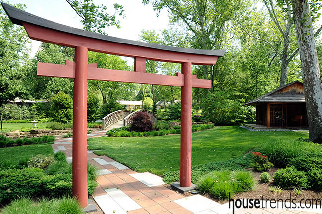 Tradition takes center stage in a garden design