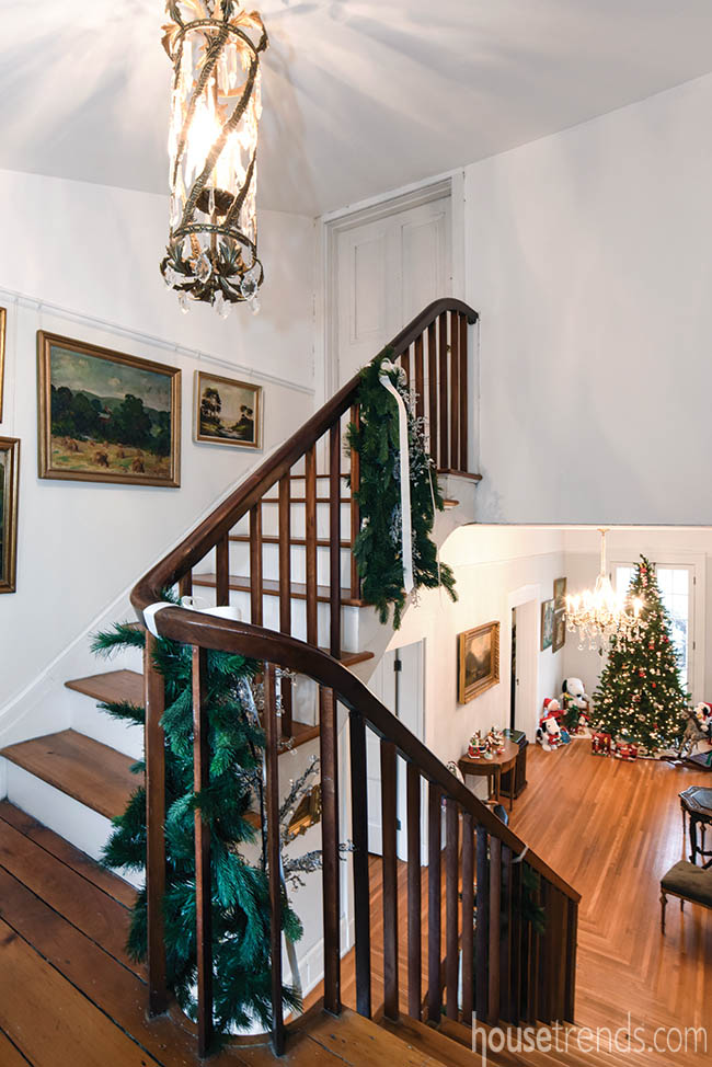 Garland adds holiday cheer to a stairway