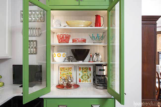 Electricity adds convenience to a hutch