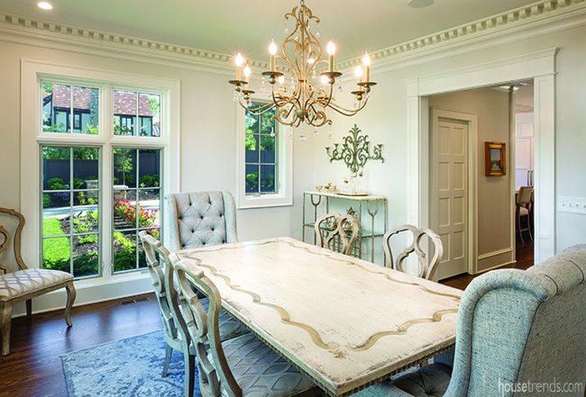 Formal dining room with dentil molding