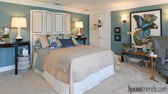 Bedroom design boasts creative headboard