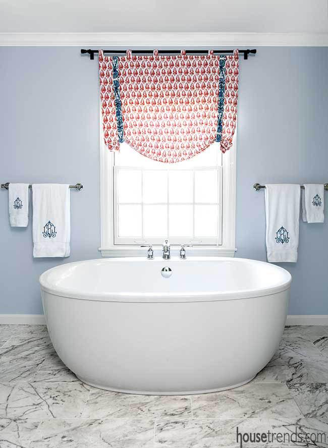 Bathroom tile mimics marble