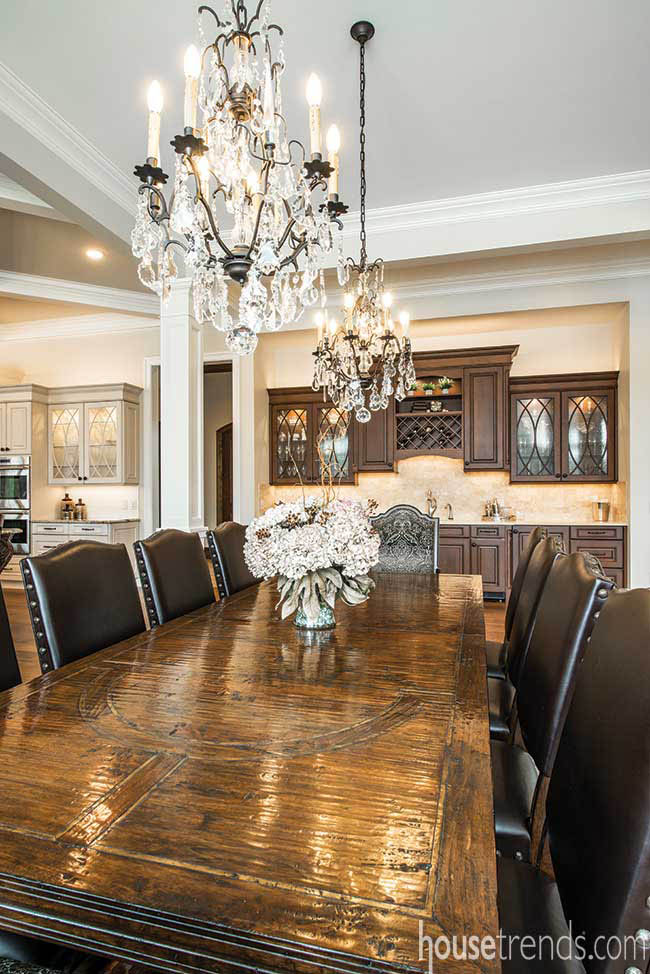 Dining table with room for a crowd