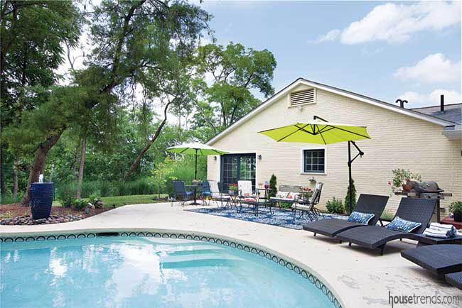 Freeform pool in a back yard