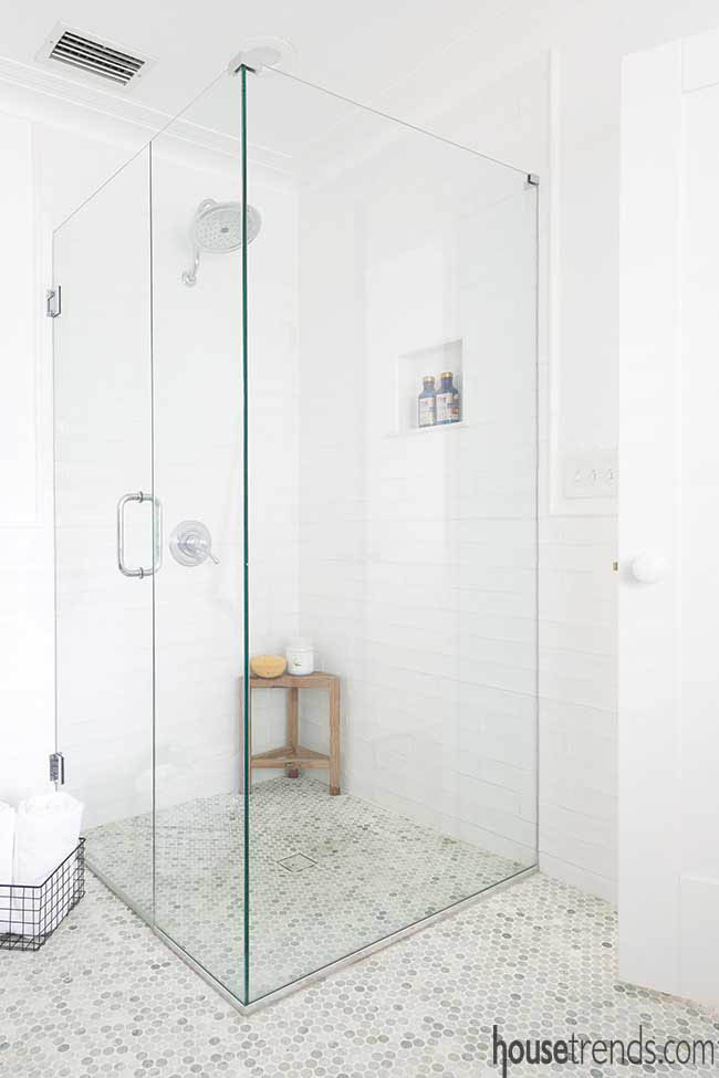Master bath shower with a curbless entry