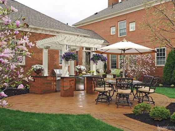 Outdoor landscaping ideas keep a backyard green