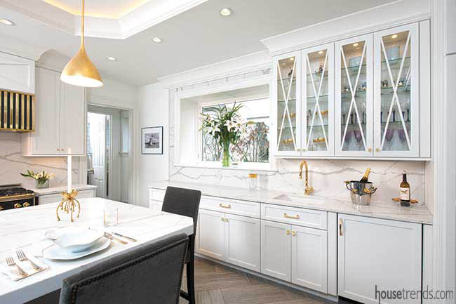 Cabinet pulls in a bold brass