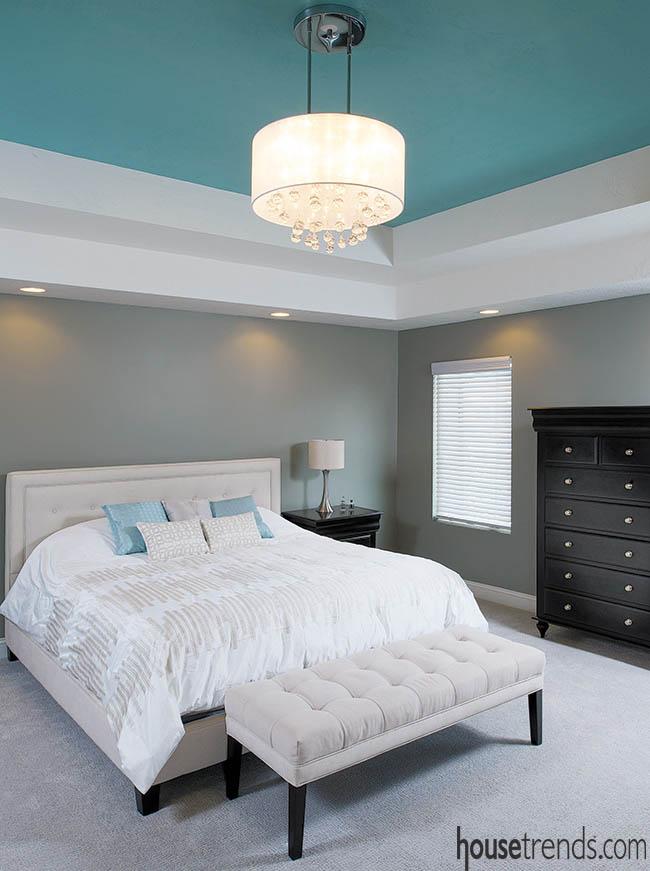 Bedroom colors create a crisp atmosphere