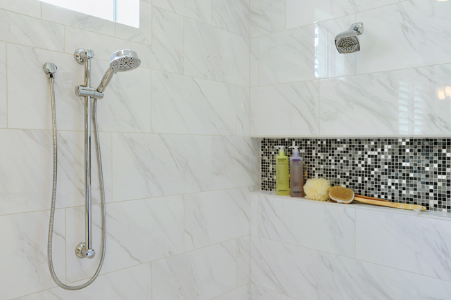 Tile shower designs create a dramatic look