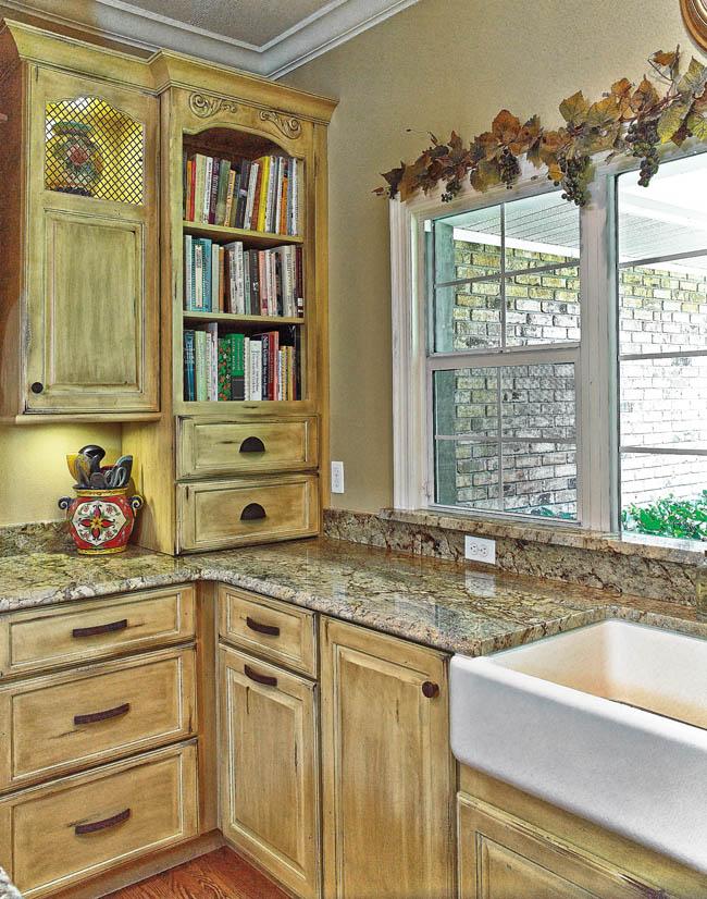 07_Tampa-Kitchen-Corner-Cabinet_KitTA0714z