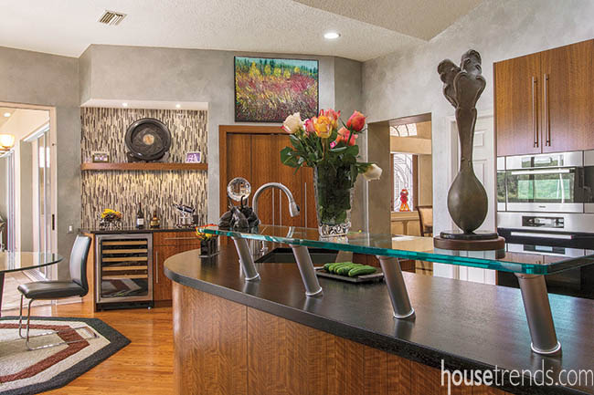 Glass countertop gets additional level