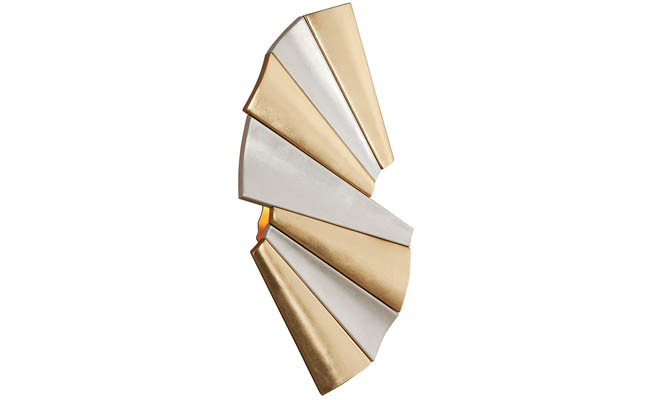 Sconce with an appealing pattern