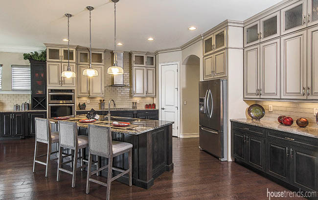 Multi-colored kitchen cabinets spark interest