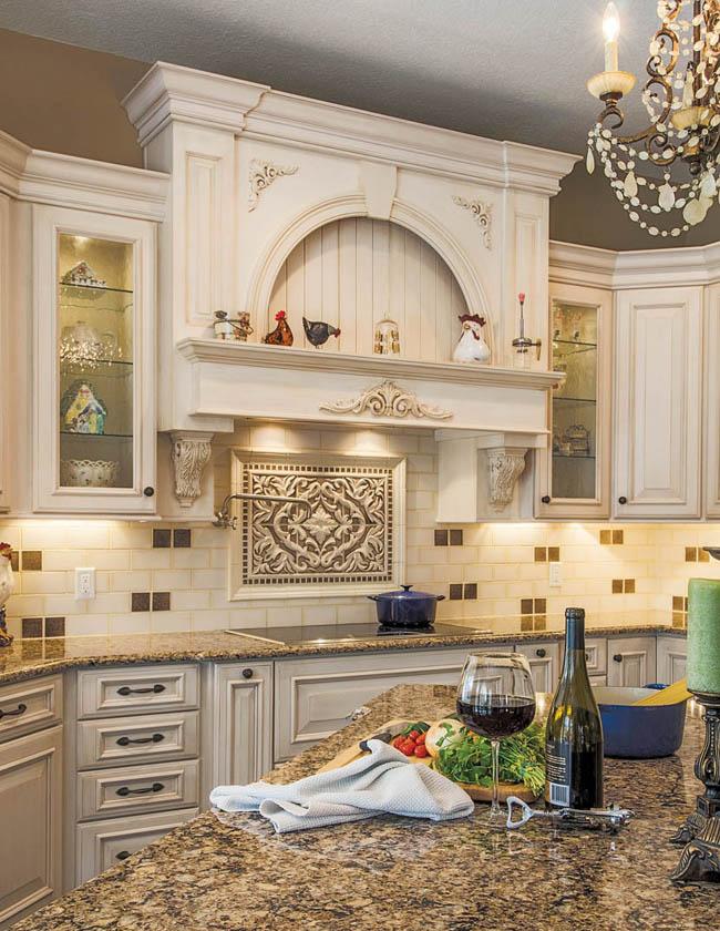 Range hood makes a kitchen design pop