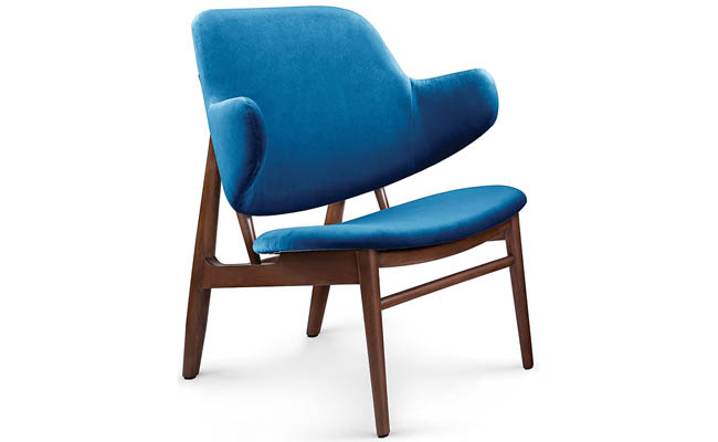 Lounge chair hints at modern luxury