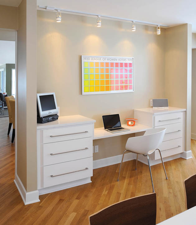A small nook presents the perfect space for a small office design