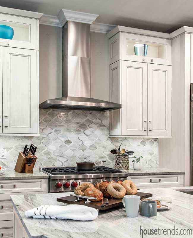 Soothing backsplash crafted from mosaic tile