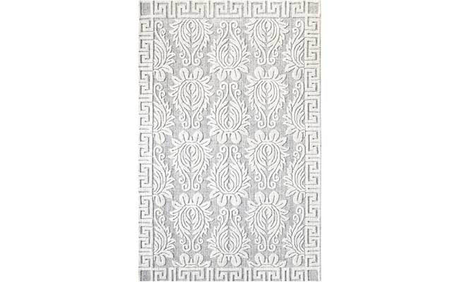 Rug with a hypnotic pattern