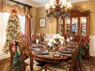 Greenery spruces up dining room chairs