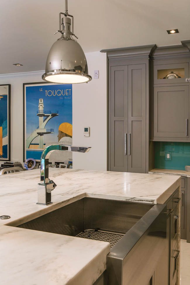 Farmhouse sink adds contemporary flair