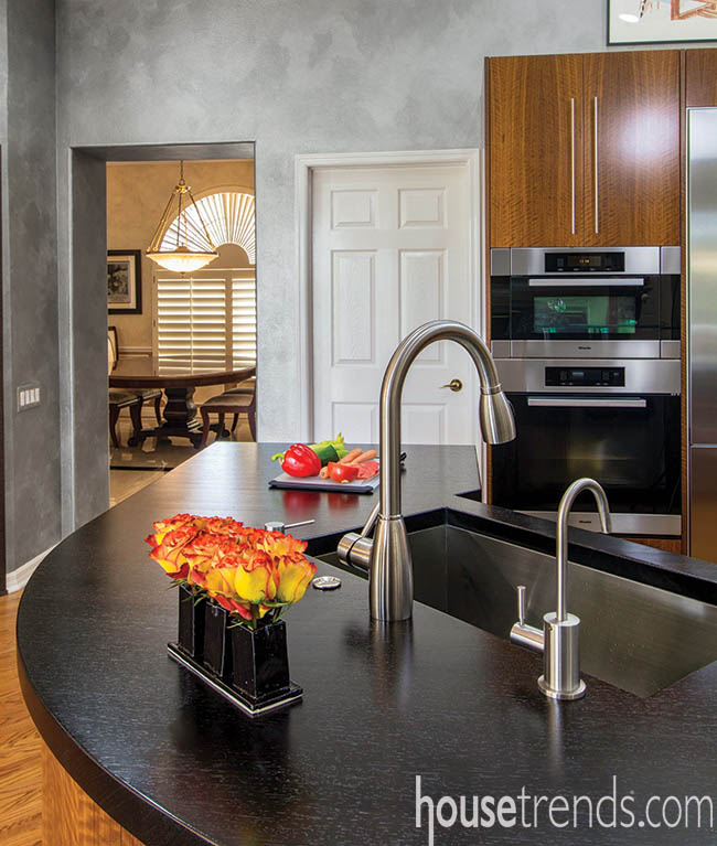 Kitchen island with a mix of materials