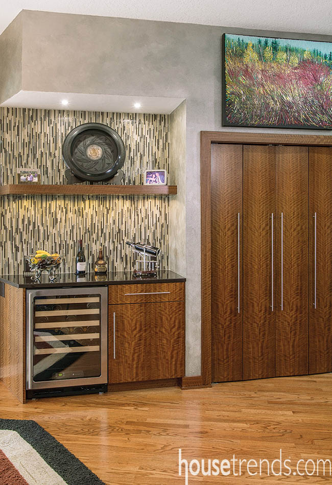 Kitchen cabinets with a curious grain