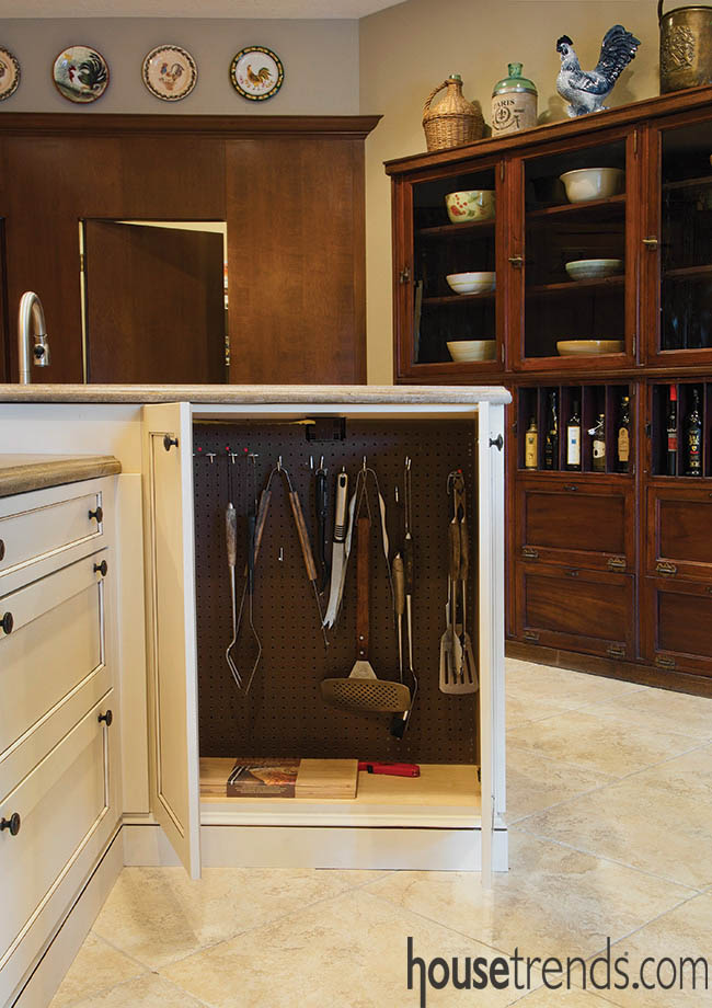 Kitchen island offers the most in organization ideas