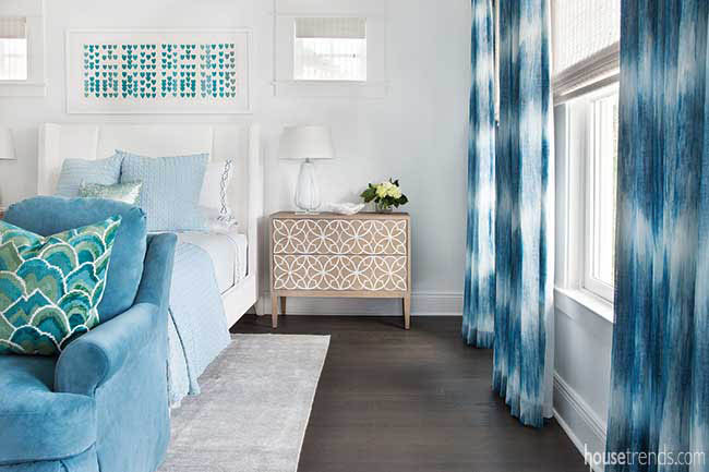 Shades of blue create a calming bedroom