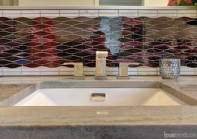 Backsplash brightens up a master bath