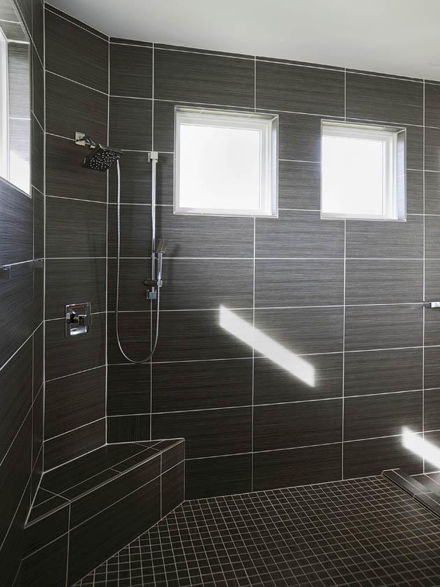 21_Dayton-Shower_FeaDA0314z