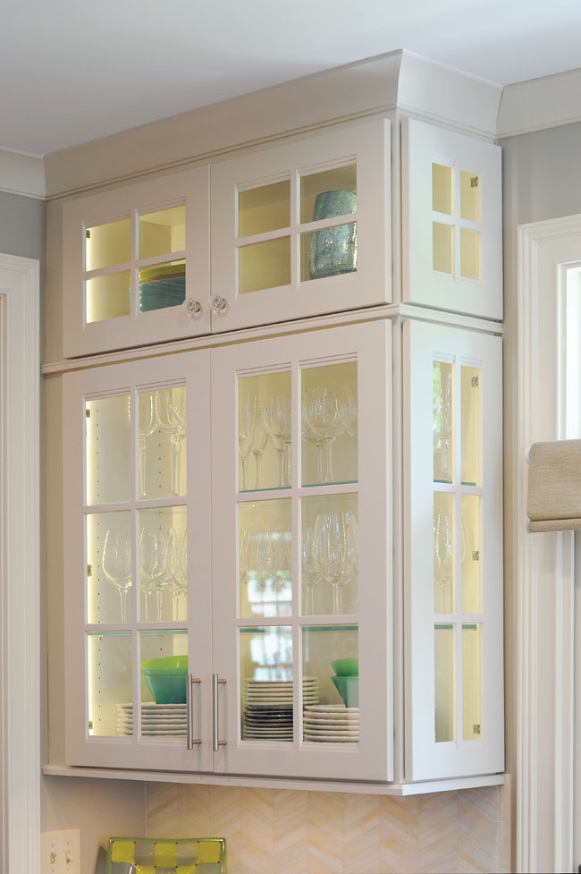Kitchen wall cabinets double as display cases