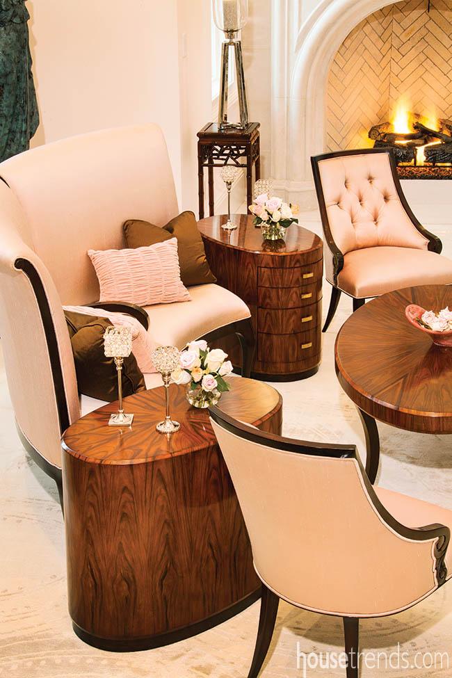 Furniture creates color contrasts