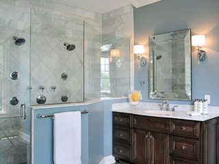Shower glass allows the Venatino Marble to be visible all the time.