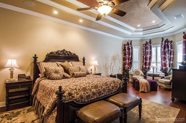 Bedroom furniture adds a sense of grandeur