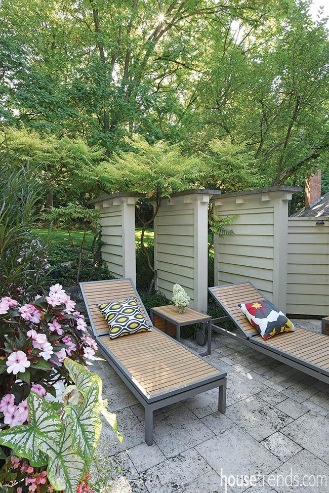 Back yard privacy ideas include custom panels