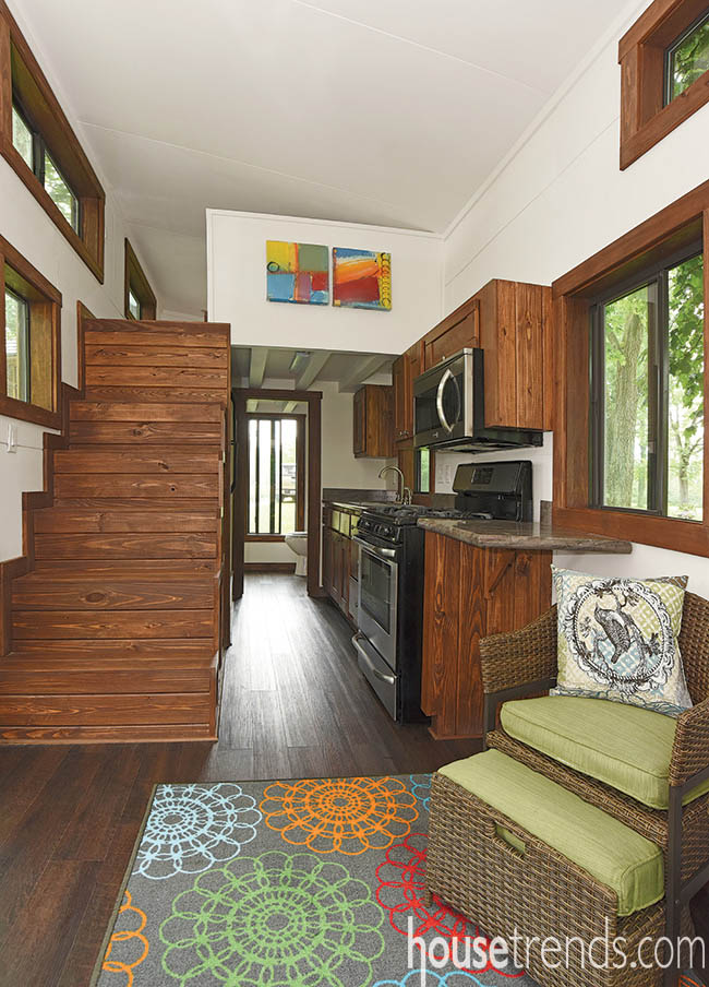 Tiny house with a functioning kitchen design
