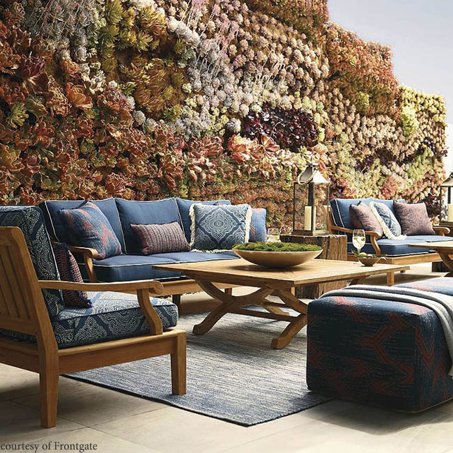 Living wall creates privacy