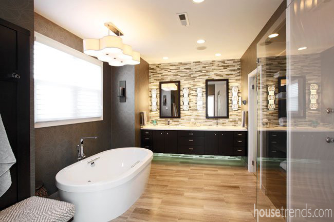Bathroom design flaunts open layout and clean lines