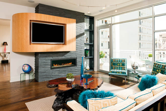 Living room bridges the best of two worlds