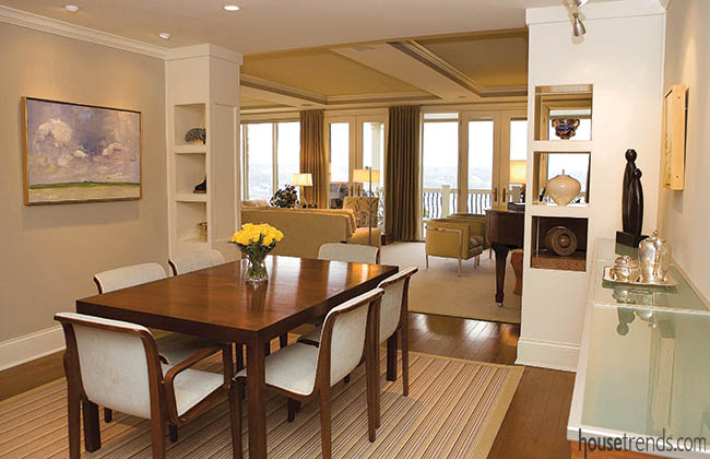 Dining room table expands to fit a crowd