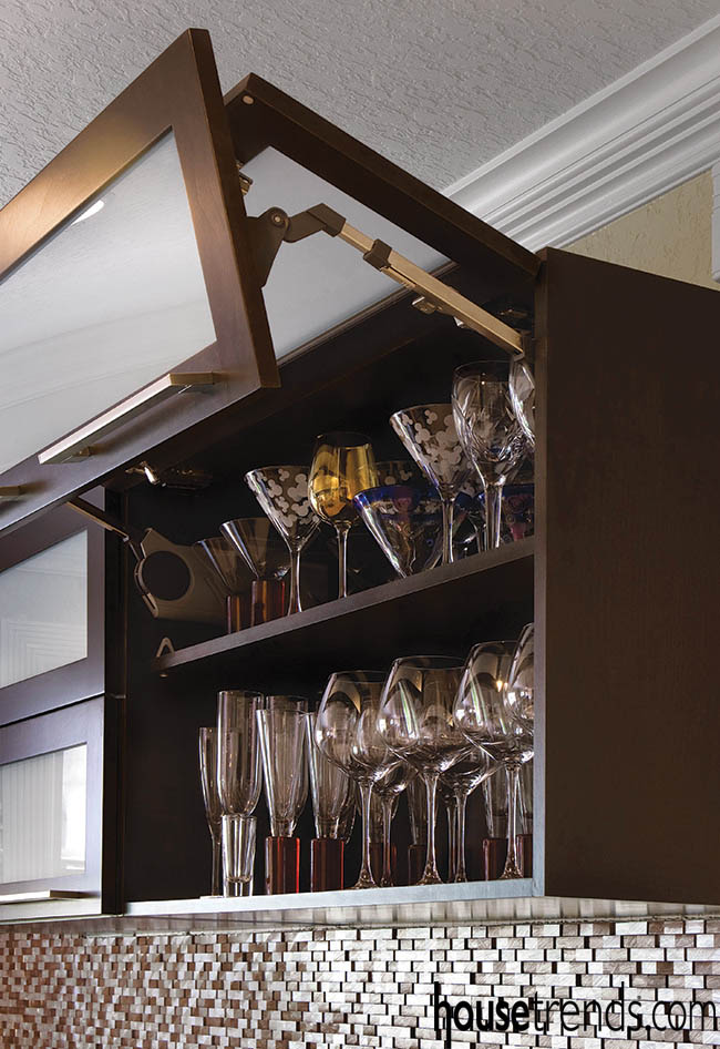 Frosted cabinets hide glassware