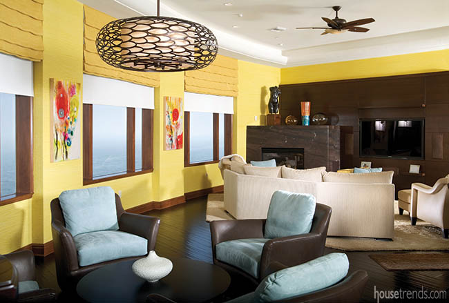 Cheerful family room design