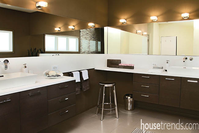 Separate sinks give homeowners breathing room