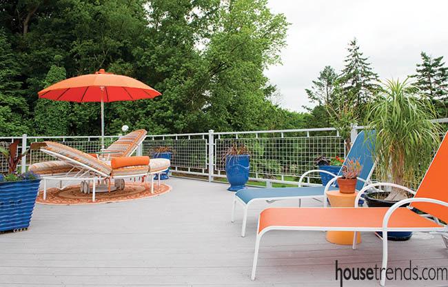 Deck design pops with color