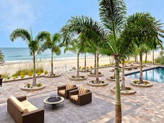 Outdoor living space by Emerald Contractors