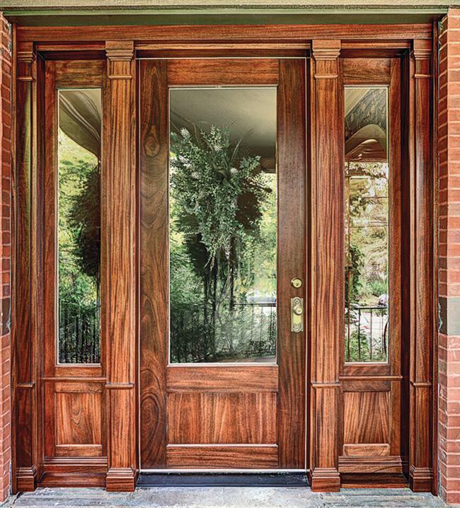 Mahogany door flatters a historic home