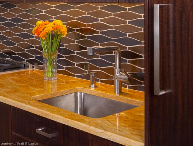 Tile adds curves to a home bar