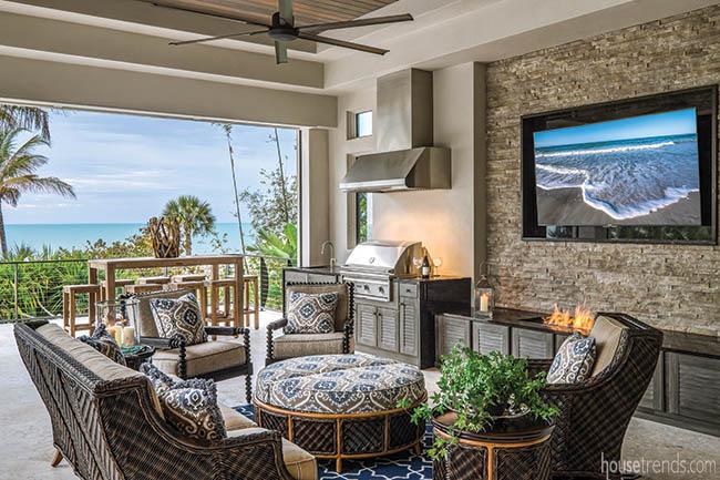 Lanai creates additional living space