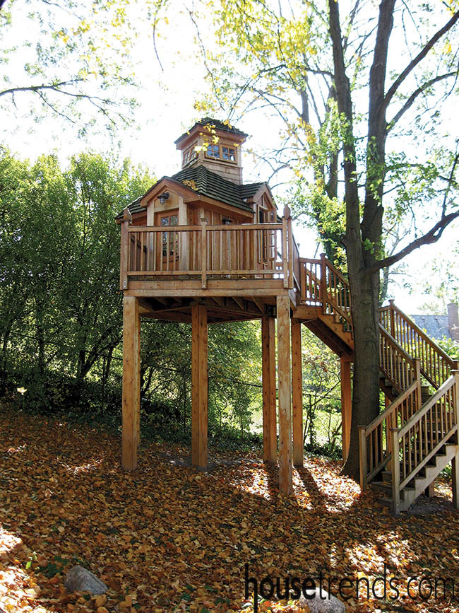 Treehouse pays attention to the surrounding landscape